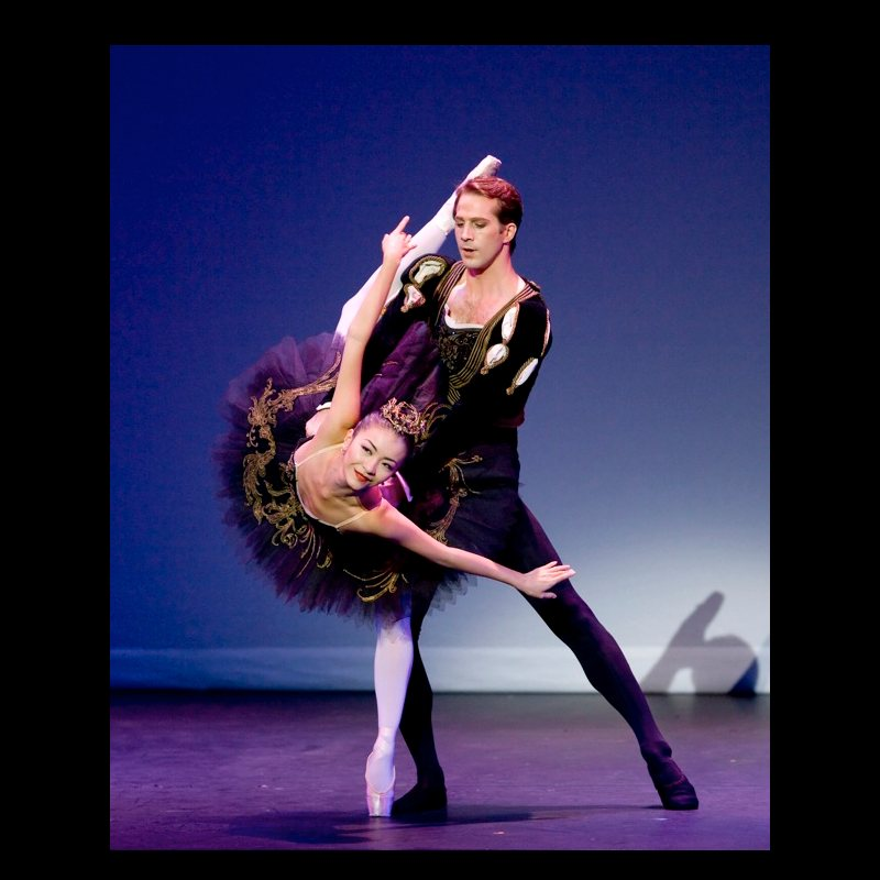 Yuhui Choe and Nehemiah Kish in Black Swan Pas de Deux, Swan Lake